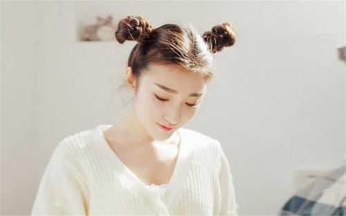 蜜秀app直播二维码:一个韩国女主播直播免费看的免费直播